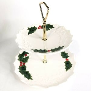 1971 Lefton Two Tier Tidbit Serving Tray Christmas